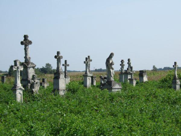 Lokalne_atrakcje - Brusno-cmentarz.jpg