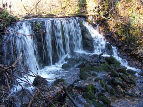 Lokalne_atrakcje - Wodospad.jpg